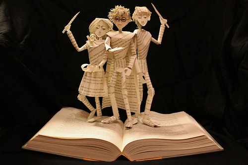 This Woman Uses Paper Sculptures to Bring Storylines to Life